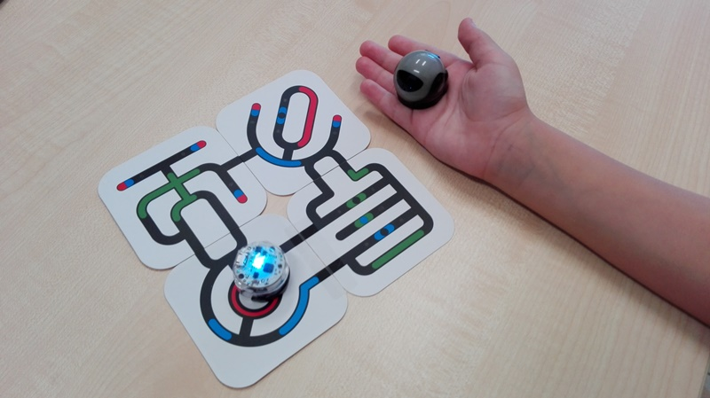 Project08a - Χρησιμοποιούμε Ειδικά Ρομποτάκια για μικρές ηλικίες